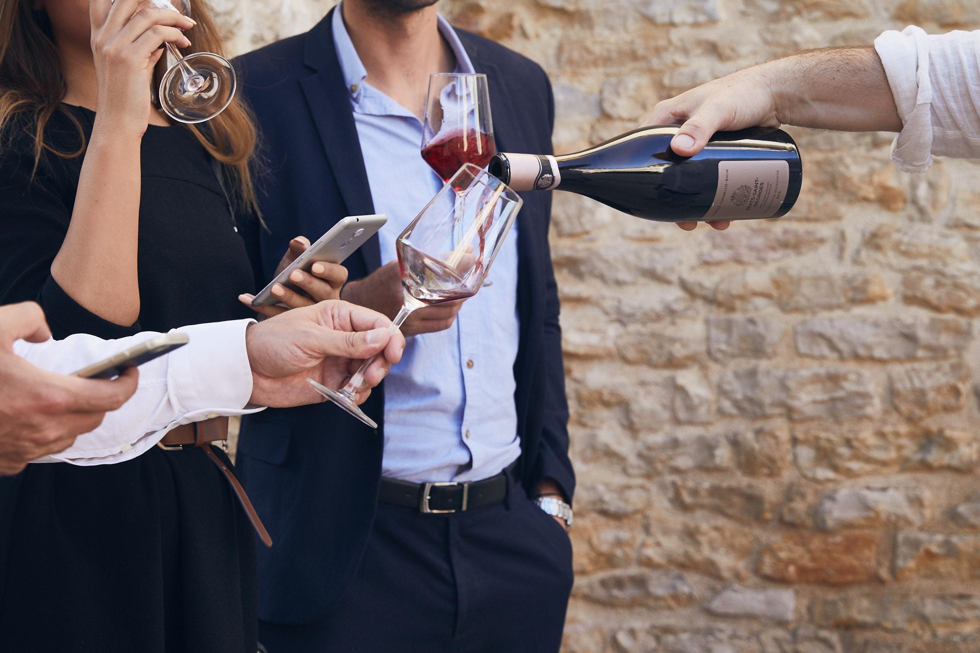 Pourring wine